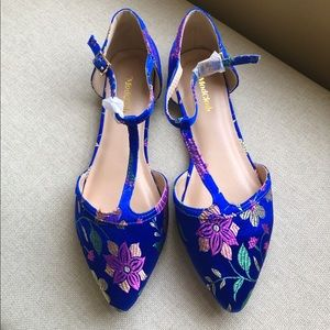 ModCloth Turn Back Time Navy Floral T-Strap Flats